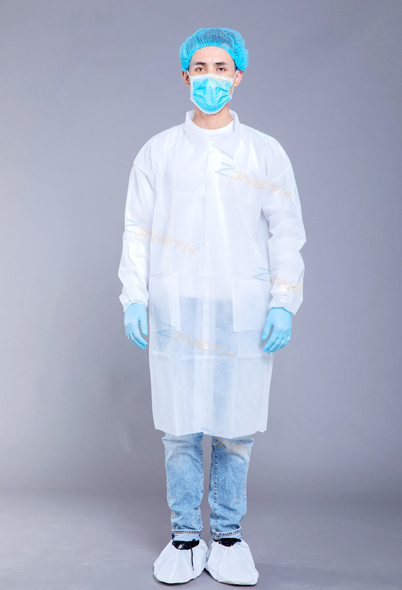 35gsm PP/SMS Disposable Lab Coat with white button